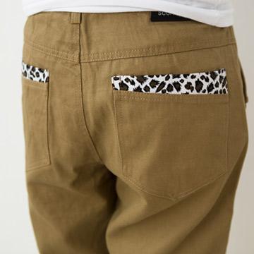 【SCORPION】韓版休閒反折豹紋短褲-共二色